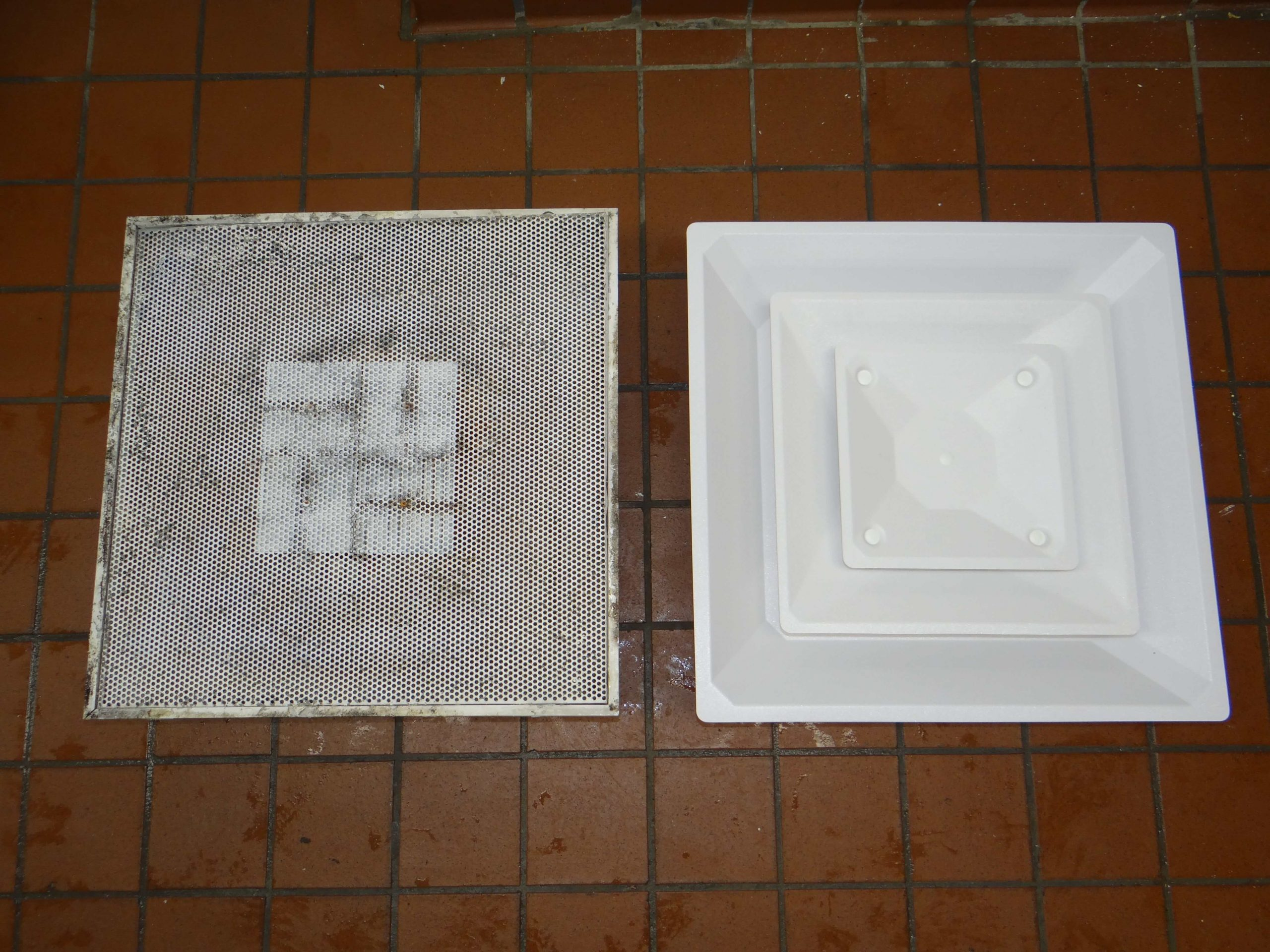 comparison of metal vs plastic vent diffusers